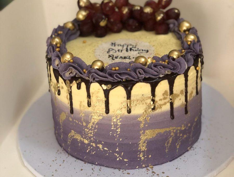 purple and grape cakes